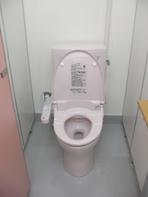 女子トイレ大便器